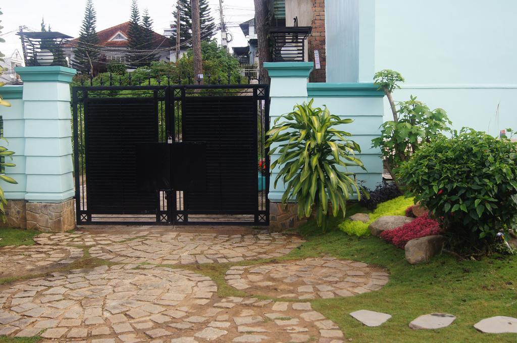 Sân vườn của hoxuan huong villa