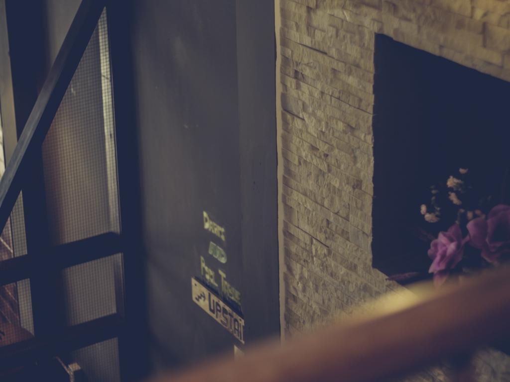 Sinh hoạt giải trí tại Europe Town Hostel and Bar