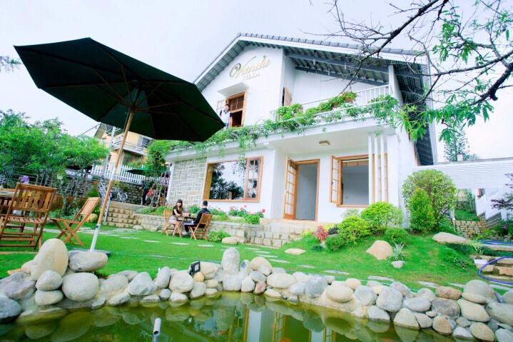 Sân vườn và toàn cảnh vanda villa