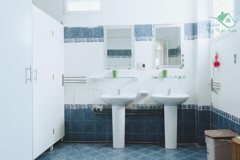 Nhà vệ sinh của mai anh đào villa